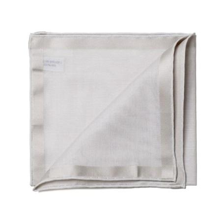 The essentials » Grey pocket square with silver satin border